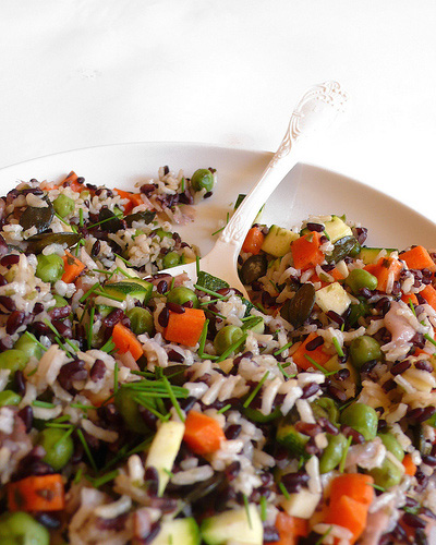 Rice salad with vegetables, pickled ginger and nori