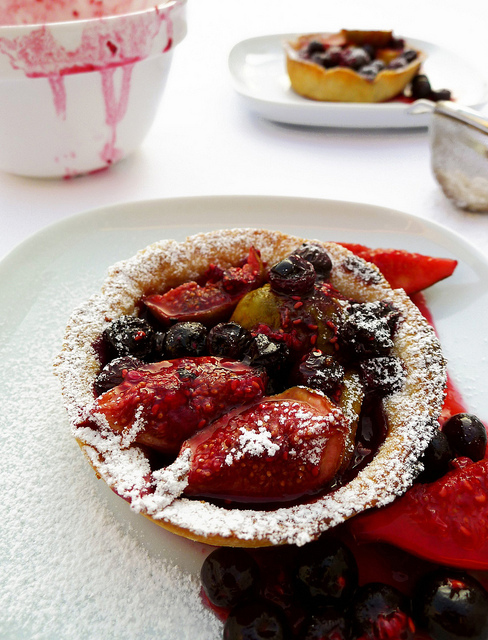 Fig, blueberry and raspberry tartlets 